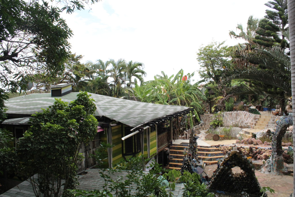 Tree House Bar, Utila