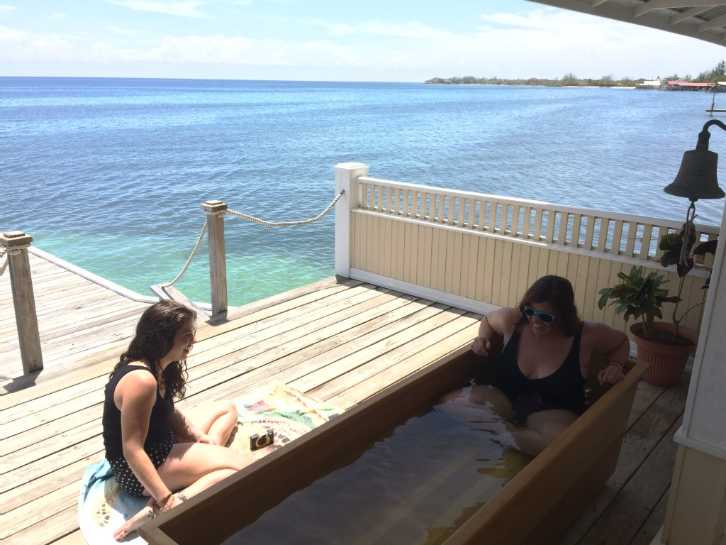 They had a damn soaking tub on the dock. <3